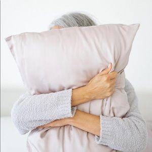 NWT bamboo pillowcase